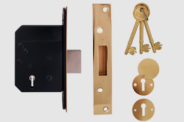 Deadlock Installation by West Hampstead master locksmith